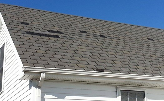 4 Signs That Your Roof Has Wind Damage
